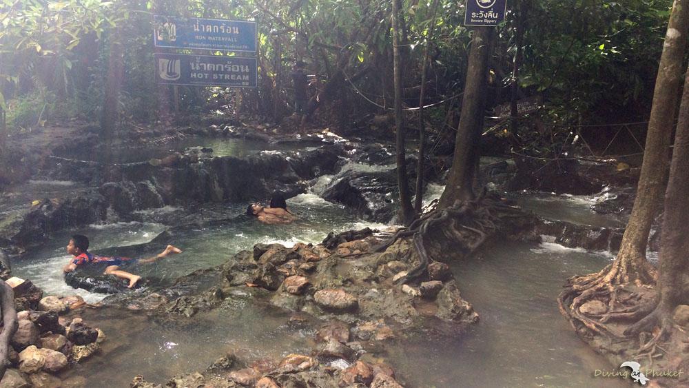 クラビクロントム温泉